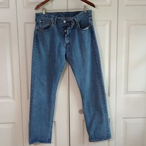 Levi's  501button fly straight leg size 34x32